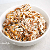 White Chocolate Cinnamon Pretzels