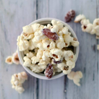 White Chocolate Popcorn {Best Popcorn Ever}