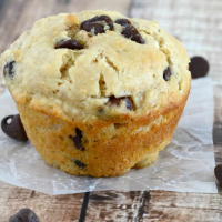 Fluffy Peanut Butter Chocolate Chip Muffins
