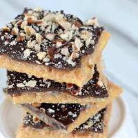 Super Easy Saltine Toffee Recipe (AKA Crack)