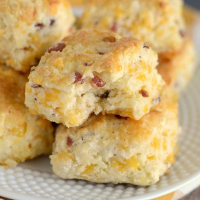 Easy Bacon Cheddar Biscuits Recipe