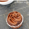 How to Frost Cupcakes with Less Mess