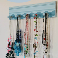 DIY Necklace Holder with Frog Tape