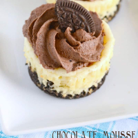 Mini Oreo Cheesecakes with Chocolate Mousse