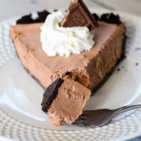 Easy Frozen Chocolate Pie