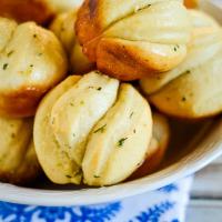 Easy Pull Apart Garlic Rolls Recipe