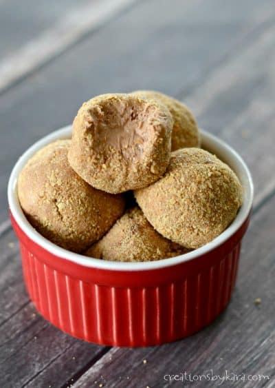 Creamy chocolate truffle recipe - everyone loves these chocolate truffles!