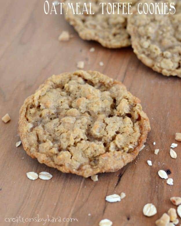 Oatmeal Toffee Cookies - crisp on the outside, chewy in the middle, these oatmeal cookies are unbeatable!