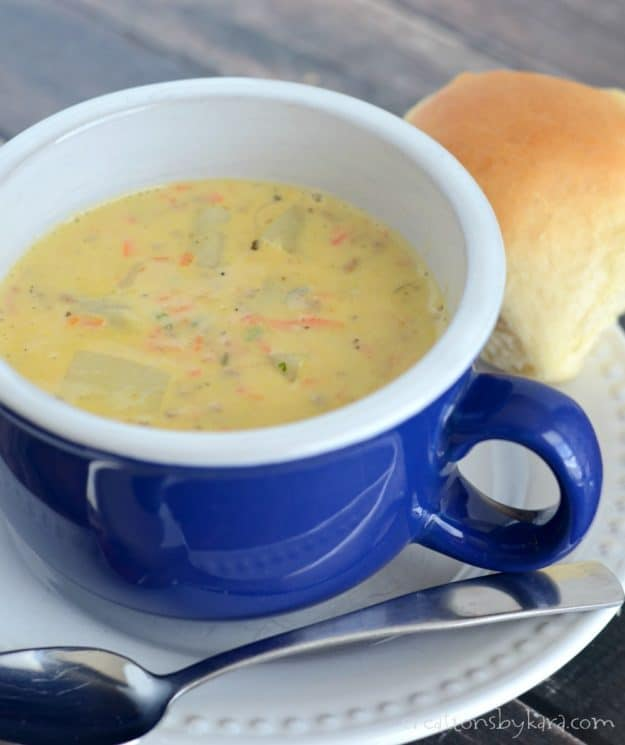 Recipe for hearty and delicious Cheeseburger Soup. A perfect soup for cold winter evenings. A perfect family friendly soup recipe.