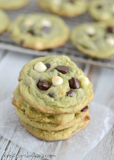Recipe for chocolate chip cookies that are perfect for St Patricks Day.