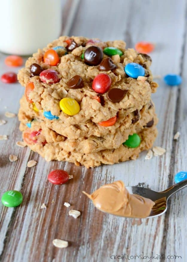 Oatmeal peanut butter cookies with M&M's. The best monster cookies ever! #monstercookies #oatmealcookies