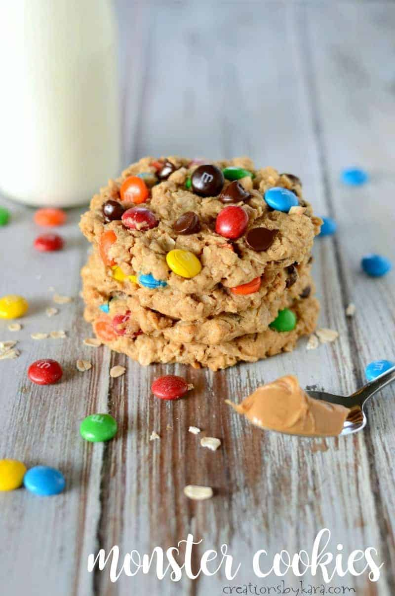Monster Cookies with peanut butter, oats, and M&M's. An epic cookie recipe. #monstercookies #oatmealcookies #glutenfreecookies