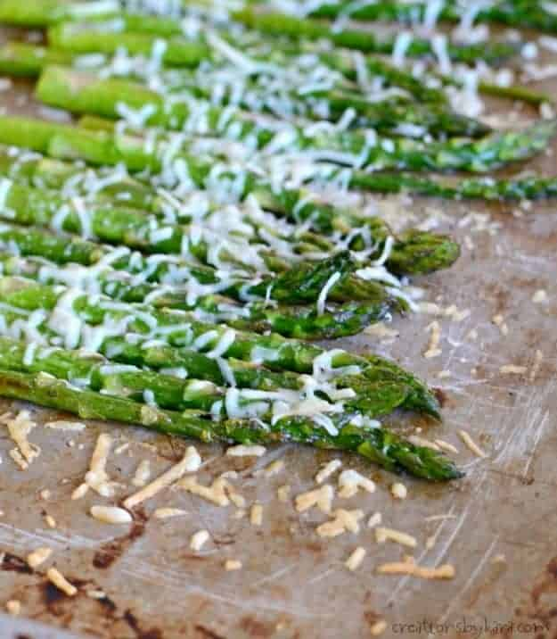 close up of roasted parmesan asparagus