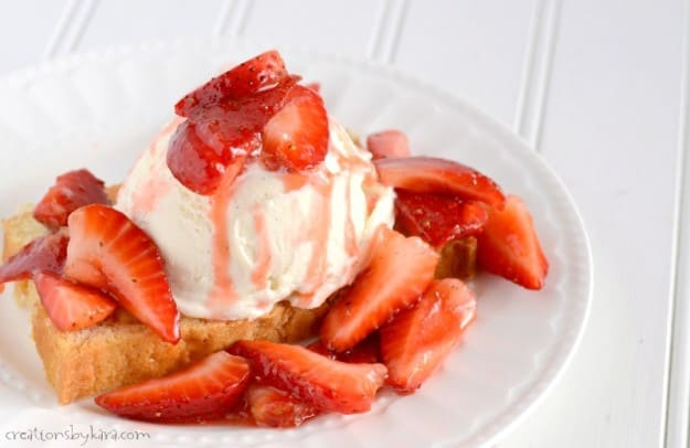 Use this one trick to make the best ever Strawberry Shortcake! Such a yummy way to serve fresh strawberries!