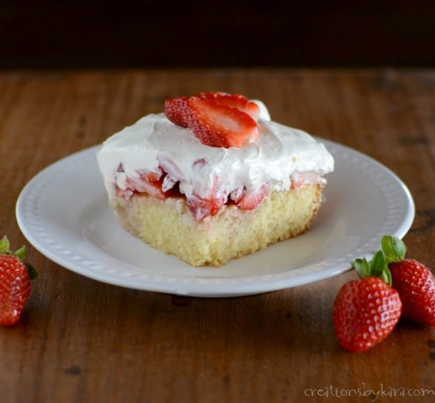 Blue Ribbon Strawberry Cake- a delicious way to showcase fresh spring berries. It's sooo good!