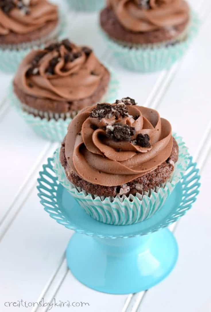 Oreo Cupcakes with Chocolate Frosting