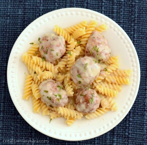 Meatballs in creamy sauce