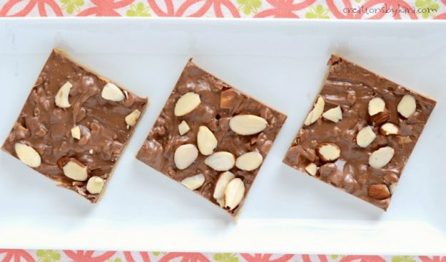 Love toffee? You need to make these easy toffee bars. Melted Symphony bars make them extra tasty. A quick and easy recipe!