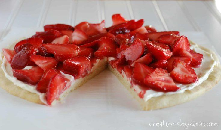 strawberry cheesecake pizza
