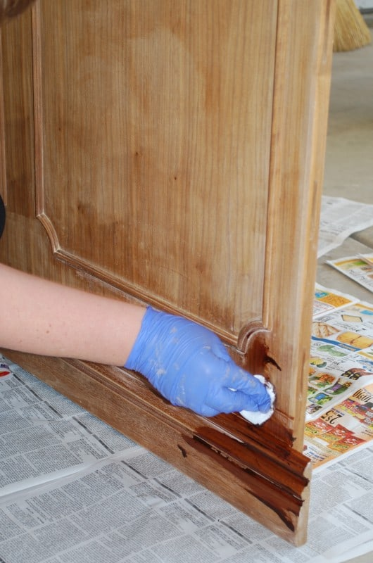 diy tutorial refinishing furniture with stain
