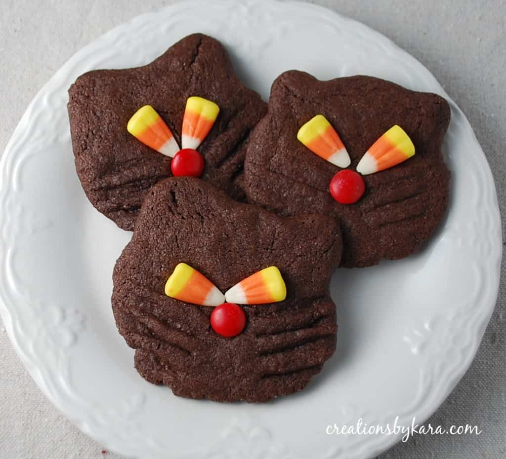 food gifts: halloween recipe-black cat cookies