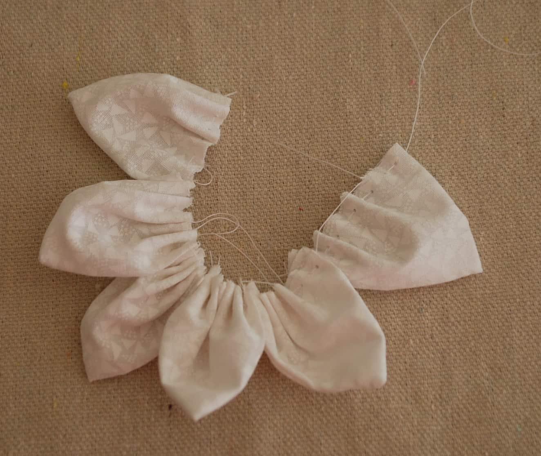 faire une fleur en tissus