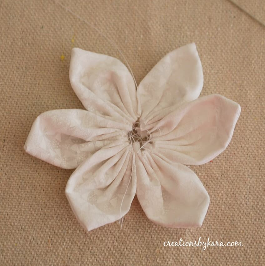 17 Flower Craft Ideas How To Make Paper Flowers Easy Fabric Flowerore Free Ebook Favecrafts Com