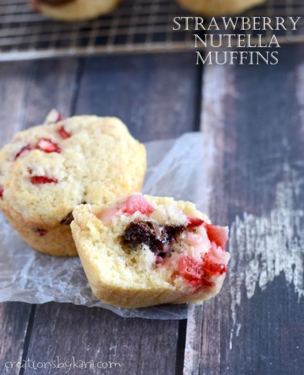 How to make Strawberry Muffins stuffed with Nutella. Yum!