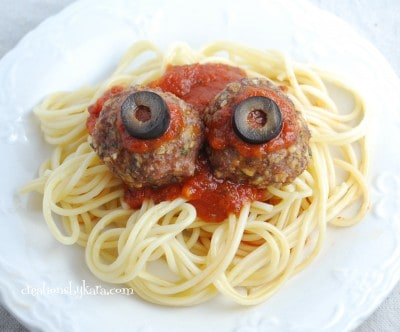 halloween food- bloody eyeballs 001