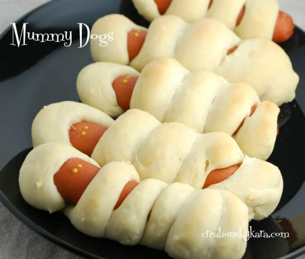 Mummy Dogs - a fun Halloween dinner recipe