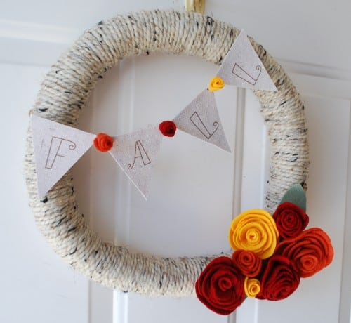 decorating-fall-yarn wreath
