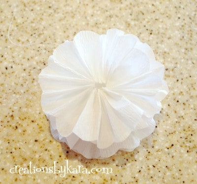 crepe paper flower tutorial 004