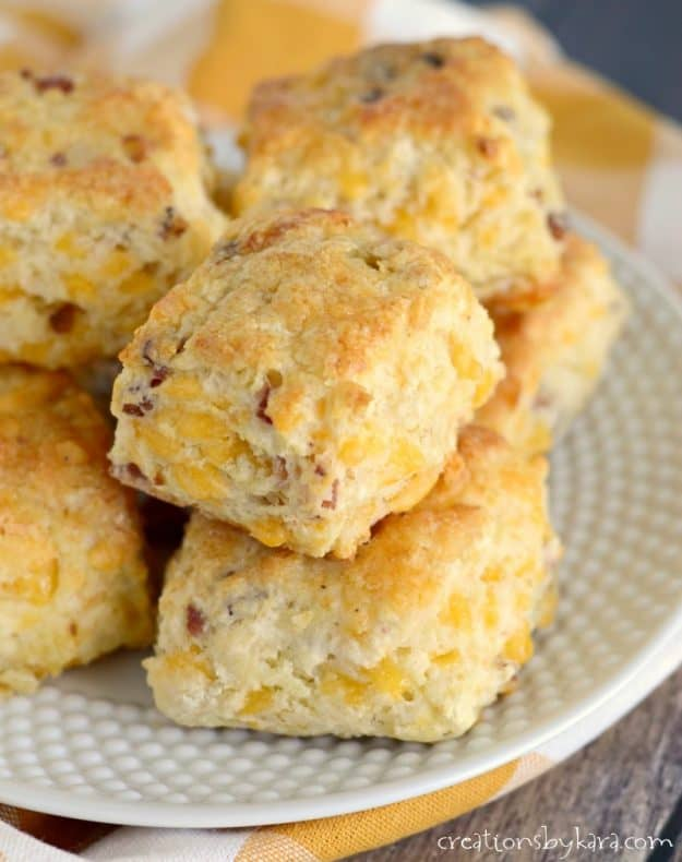 melt in your mouth cheese biscuits with bacon
