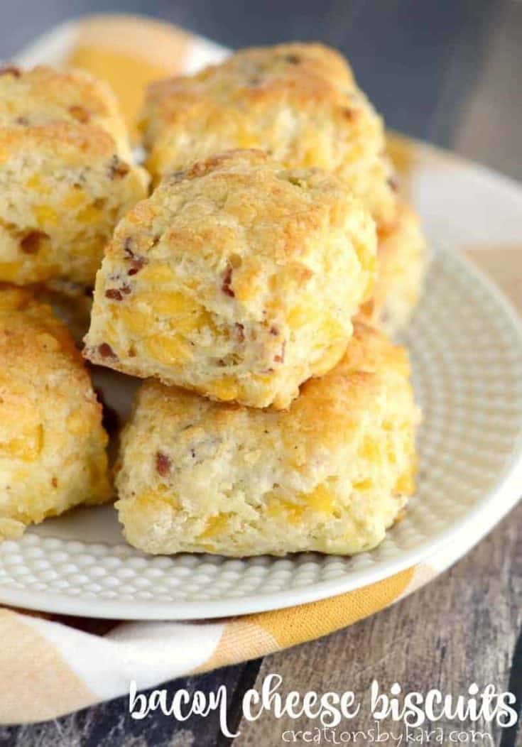 Bacon Cheese Biscuits - these easy biscuits go perfectly with soup. Everyone loves these biscuits.