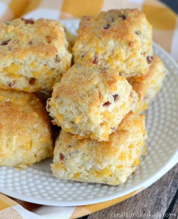 Easy Bacon Cheddar Cheese Biscuits - a mouthwatering side to any meal.