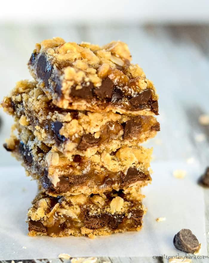 close up of ooey gooey caramel oatmeal bars
