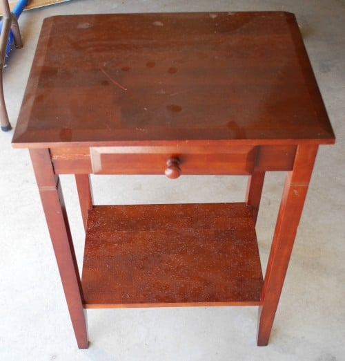 DIY-spray-painted-table