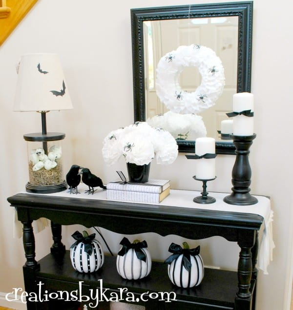 black-and-white-halloween-decor-diy