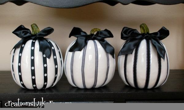 halloween-decor-painted-pumpkins