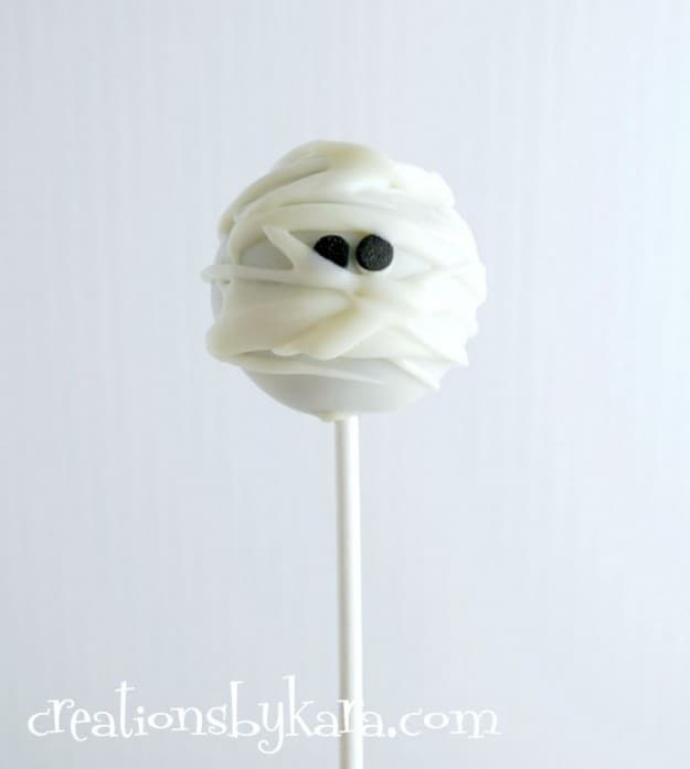 Mummy Cake Pops for Halloween