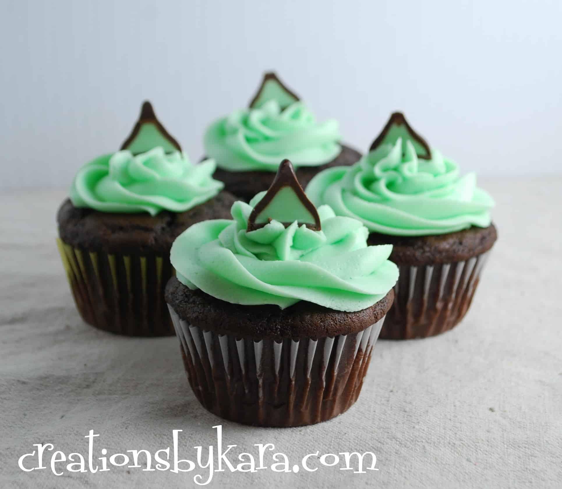 Chocolate Mint Cupcake Recipe - Creations by Kara