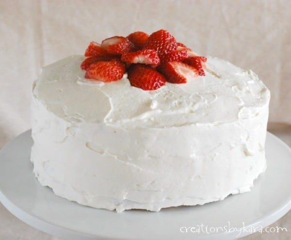 strawberry-cheesecake-cake