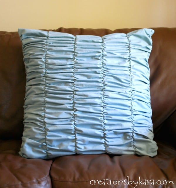 Sewing Decorative Bed Pillows : Gathered Decorative Pillow