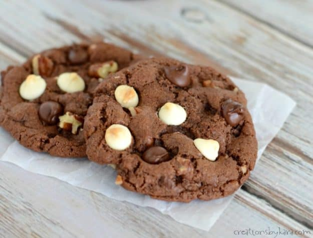 Chocoholics - these chocolate chocolate chip cookies are for you!