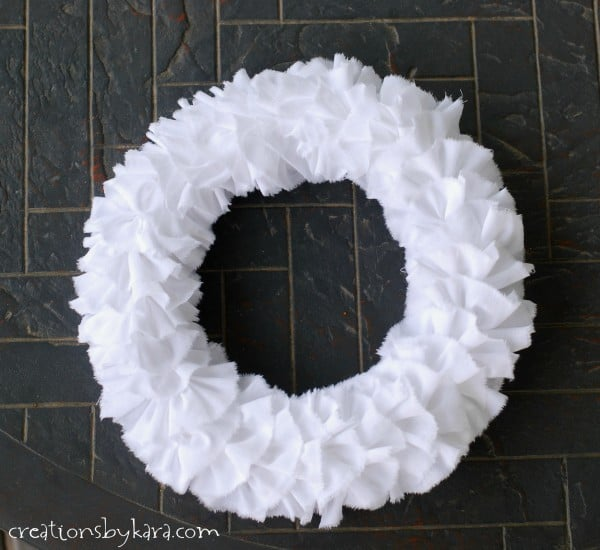 how-to-make-a-ruffle-wreath