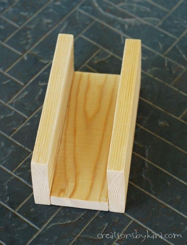 diy-rustic-wood-box