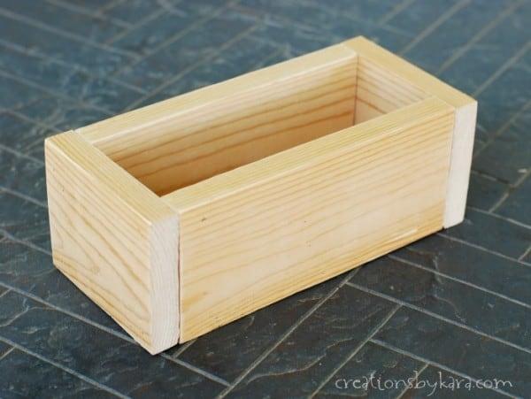 diy-rustic-wood-crate