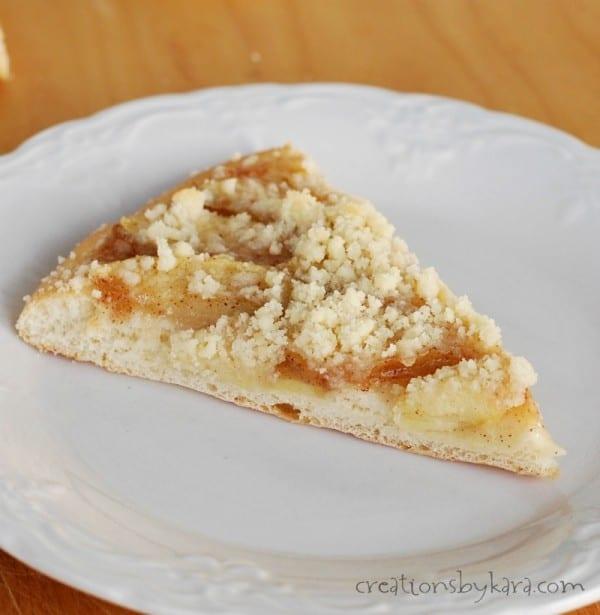 Recipe for delicious apple pie pizza