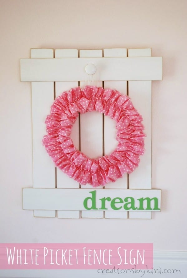 DIY White Picket Fence Sign