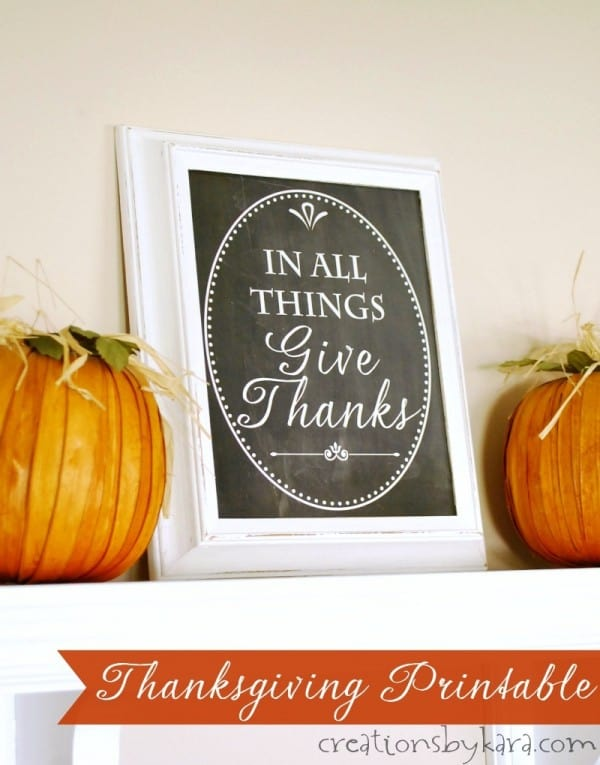 Give Thanks Chalkboard Printable - an easy way to add a little farmhouse fall decor